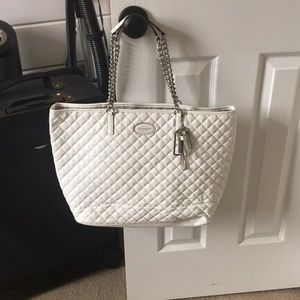 Coach Purse White Quilted Pattern